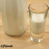 Mandelmilch selbst machen: schnell, günstig und lecker