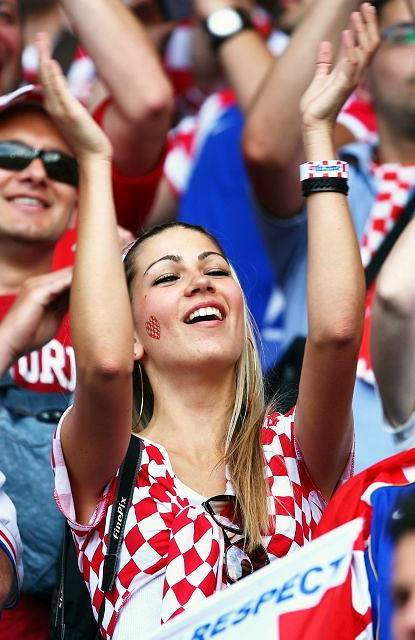 Asian Mafia Girl Wallpaper Bellezze Mondiali Brasile Vs Croazia Metti Mi Piace