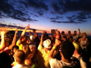 Sunset_on_ibiza_boat_cruises,_july