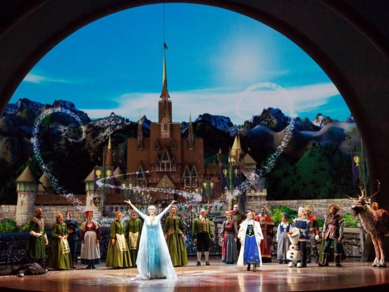 Escena Final de Frozen Live at the Hyperion - disneylandiaaldia.com