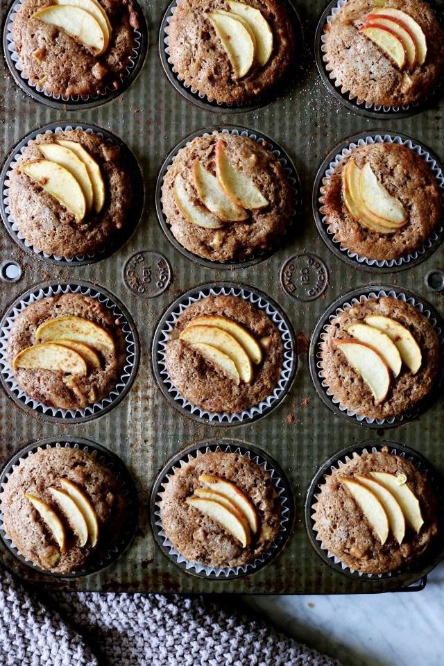 Apple Cinnamon Muffins | Recipe via DisplacedHousewife | apples + spices @displacedhousewife