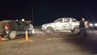 Como se aprecia, lo protagonizaron una camioneta Toyota y un automóvil Renault Sandero. En estos momentos trasladan a un herido. AMPLIAREMOS