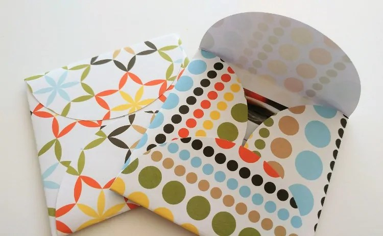 How to Make an Envelope Out of Circles - DIY Inspired