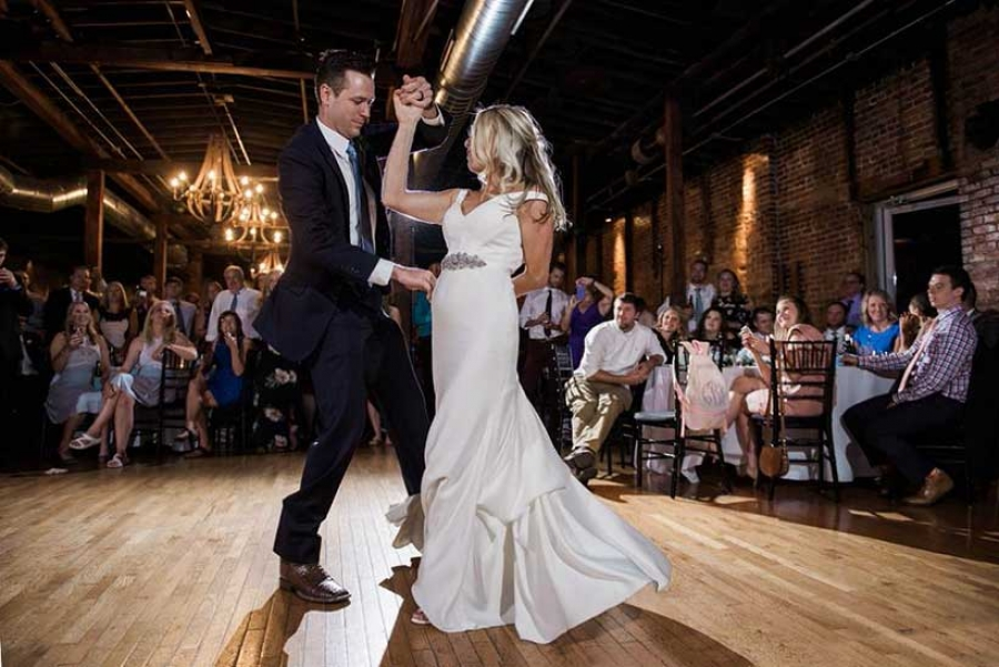 The Essential Guide To The Best Charleston Wedding Playlist