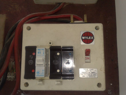 changing a fuse in a wylex fuse box