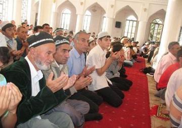 Tajikistan-Mosque-prayer