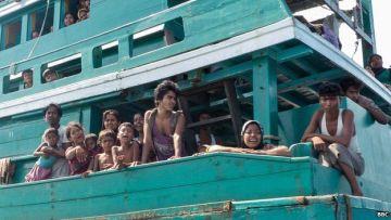 _82995032_thailand_stranded_boat-1170197small