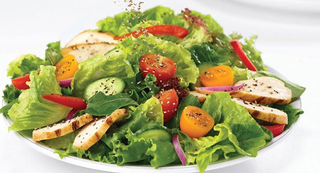 Vinaigrette-chicken-salad-Five-quick-and-healthy-recipes-for-doctors