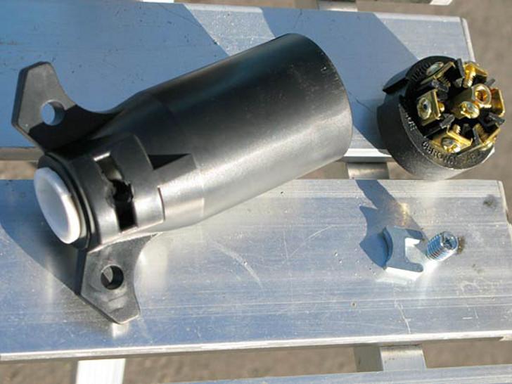 Seven Steps To A Successful 7-Pin Trailer Cord Plug Repair