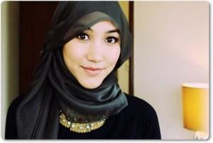 gambar model jilbab untuk wajah bulat