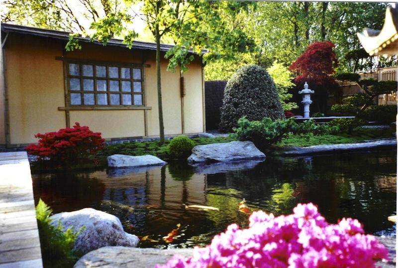 Koi garden l oriente in alto adige - Giardino con laghetto ...