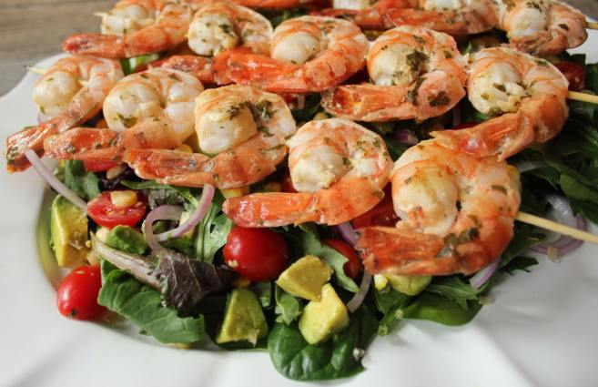 summer-salad-with-avocado-corn-and-grilled-herb-shrimp-3