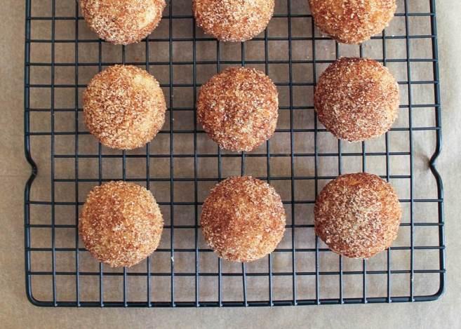 apple-cinnamon-baked-doughnut-holes-8-2