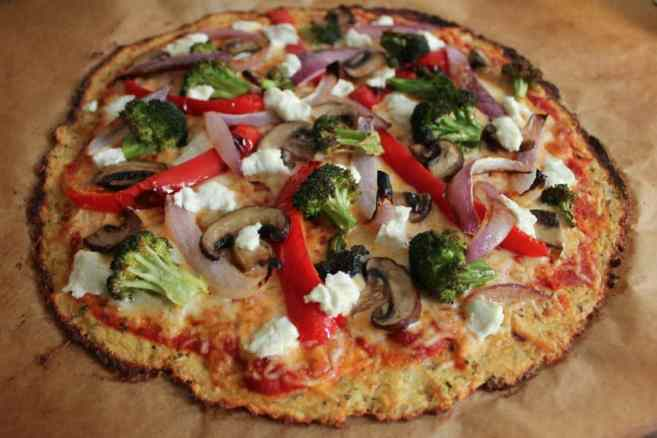 cauliflower-pizza-crust-with-roasted-vegetables-and-goat-cheese-2