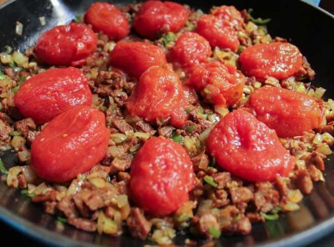 shakshuka-egg-white-frittata-with-turkey-sausage-step-3