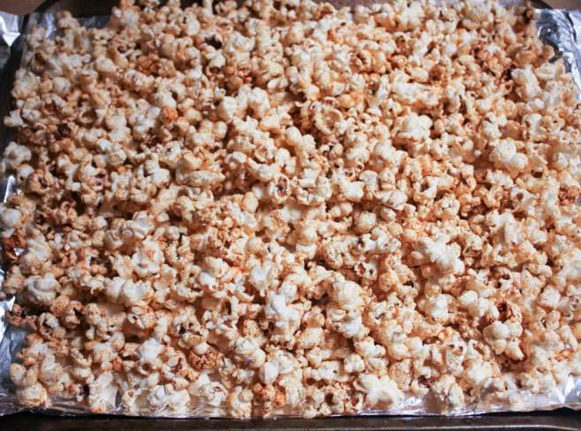 vegan-dark-chocolate-chipotle-stovetop-popcorn-step-7