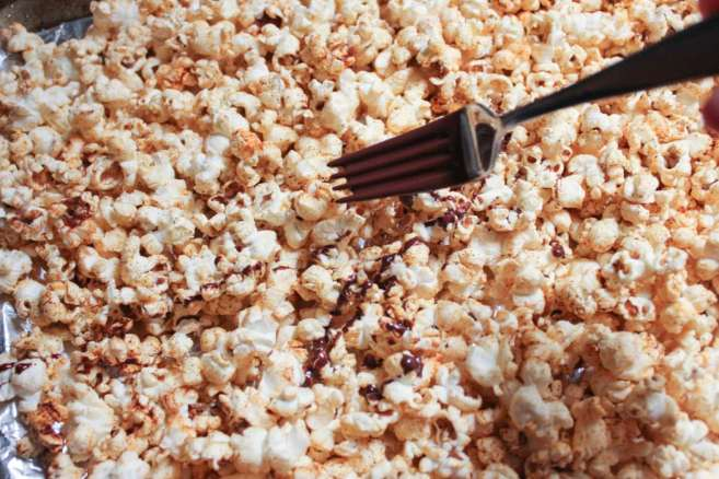 vegan-dark-chocolate-chipotle-stovetop-popcorn-step-8