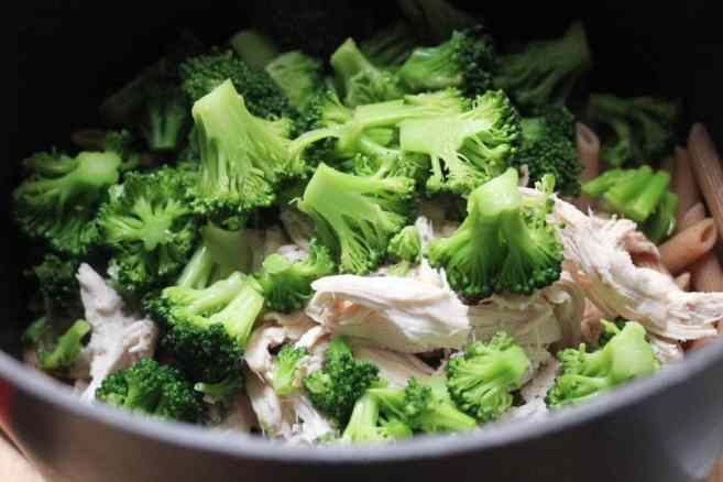 Cheesy-Baked-Whole-Wheat-Penne-with-Chicken-and-Broccoli-step-8