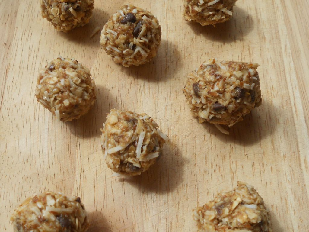 Energy Balls Healthy Toddler Snacks www.donnaamisdavis.com