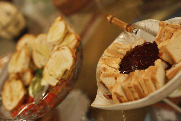 brie-com-geleia-do-pao-ao-caviar