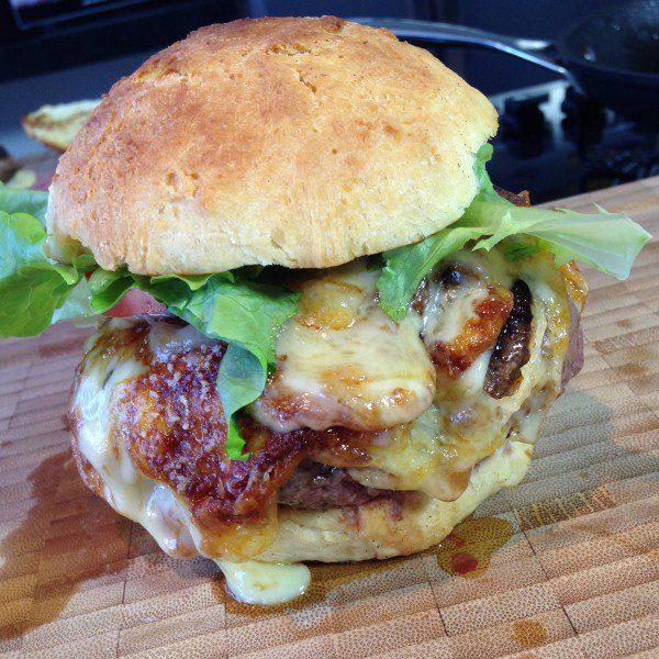 Hambúrguer com pão de batata