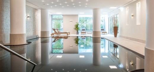 Erholung pur bietet die renovierte Wellness-Oase im Dorint An der Messe Köln. Ein Highlight ist der Pool mit Unterwassermusik und Nachtglitzereffekt.  Foto: Burwitz & Pocha – Dorint Hotels & Resorts/Abdruck  honorarfrei