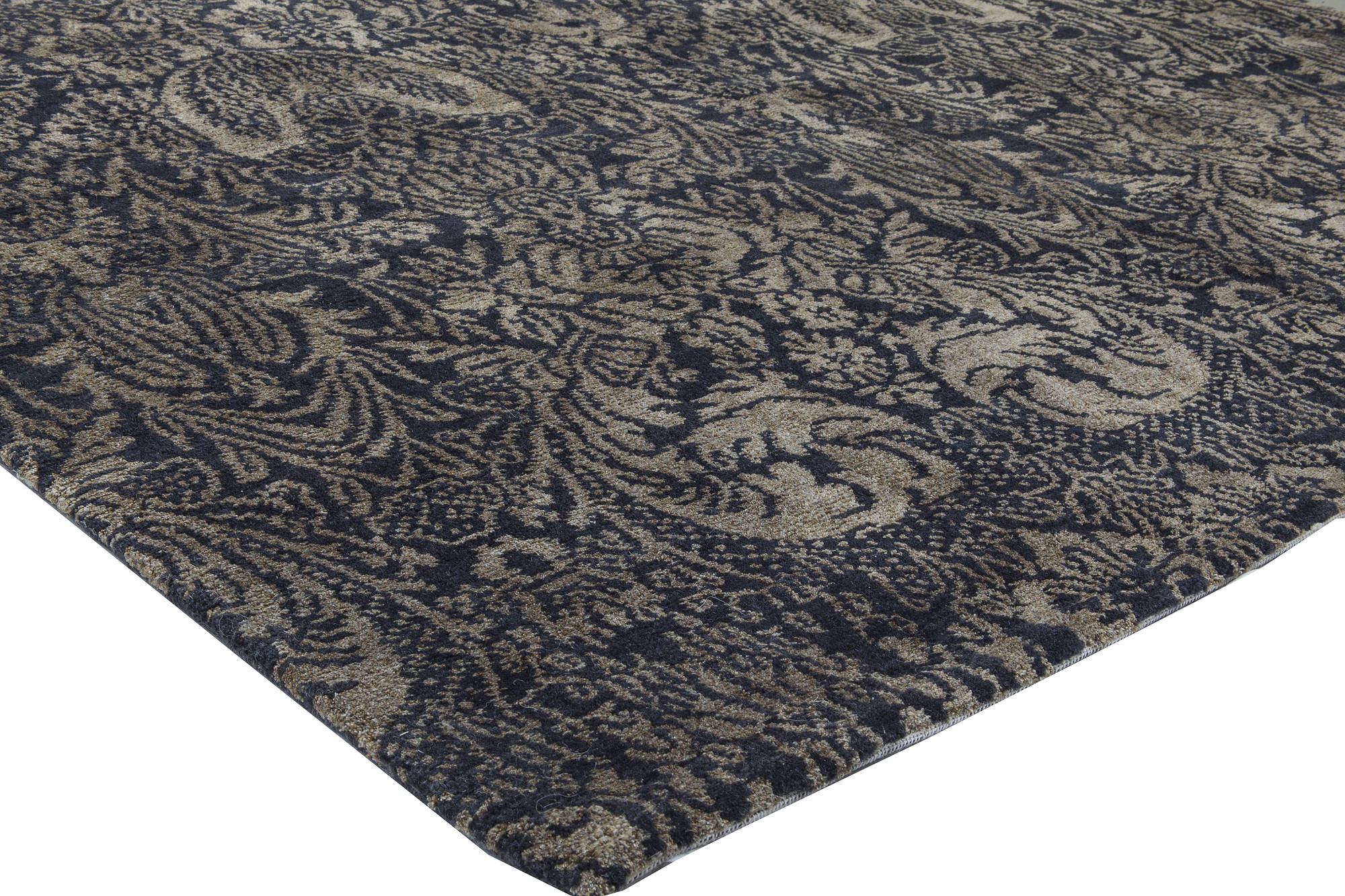 European Inspired Tibetan Rug N11568 By Doris Leslie Blau