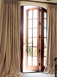 Custom Drapes in Designer Fabrics at Discounts of up to 75