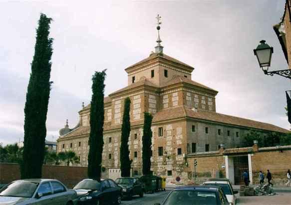 Convento de los Trinitarios Descalzos - Vista posterior (junio 2002) - Imagen: http://www.ecologistasalcalah.org/