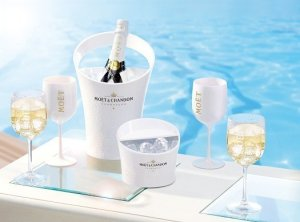 Moet Ice Imperial Party Pack 300x222 Review: Moet & Chandon Ice Imperial Champagne