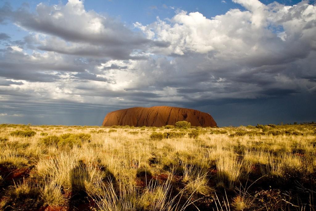 Uluru/Ayres Rock. Photo by Sjoerd van Oosten via Flickr CC