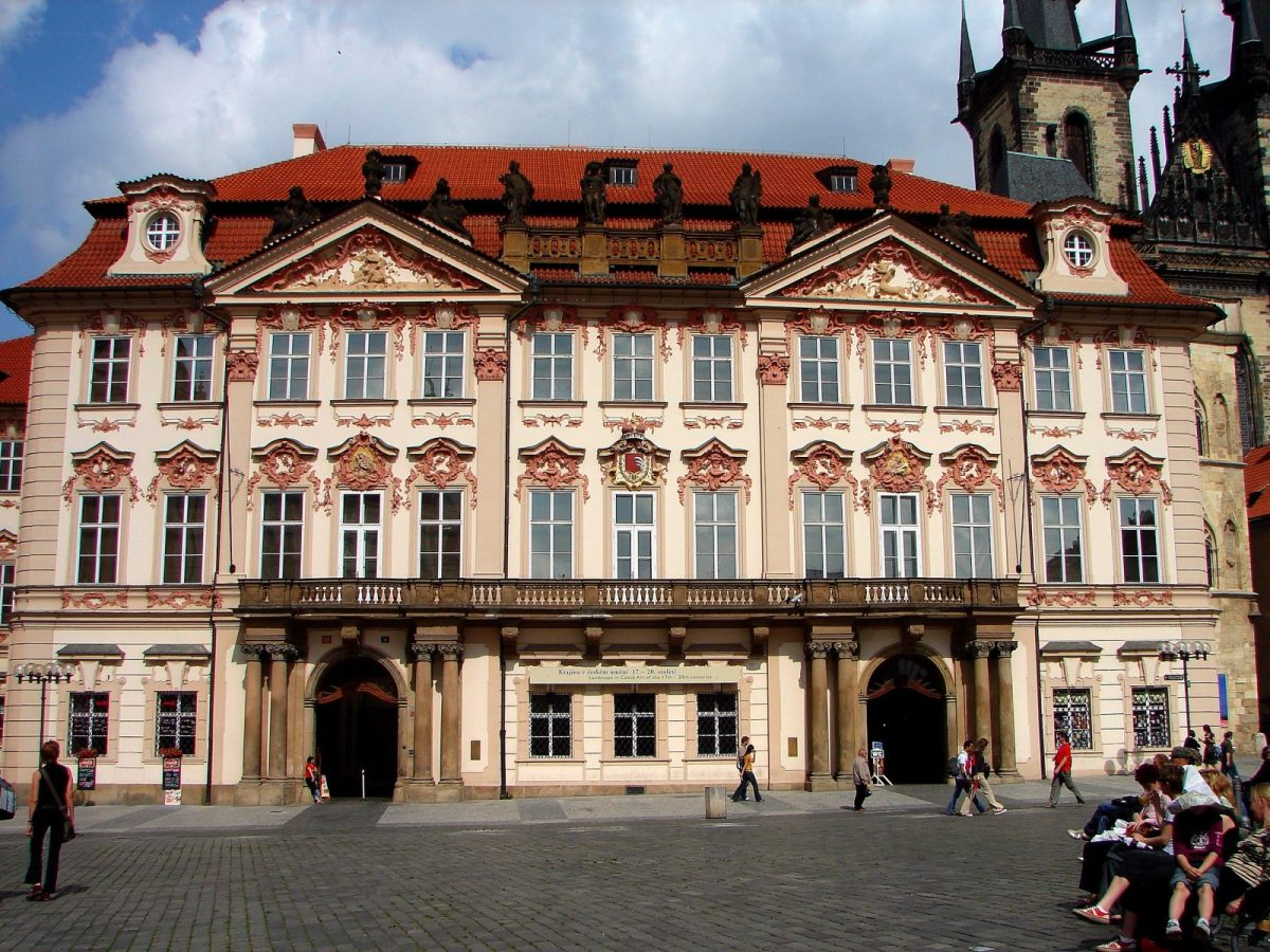 Palác Kinských - Golz-Kinských (Kinský Palace) that houses the National Gallery exhibition hall. Photo by Tjflex2 via Flickr CC