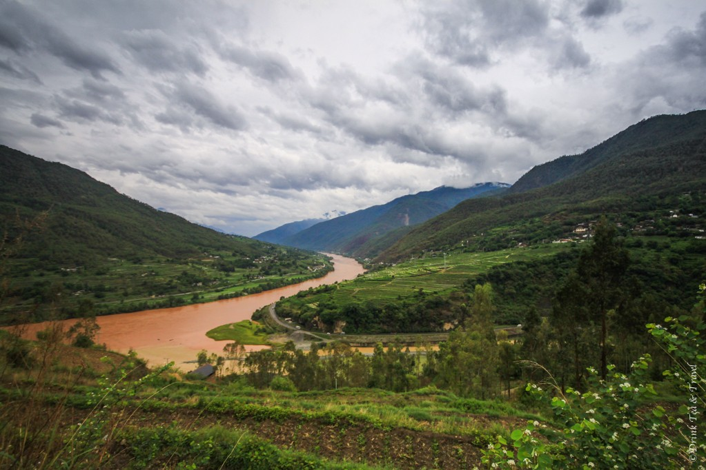Stunning views of the Tiger Leaping Gorge
