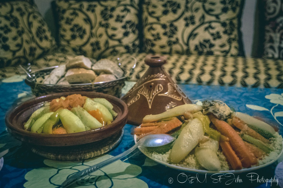 Food in Morocco: Chicken and vegetables tagine