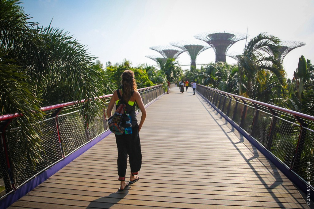 Exploring Singapore with nothing more than a little backpack!