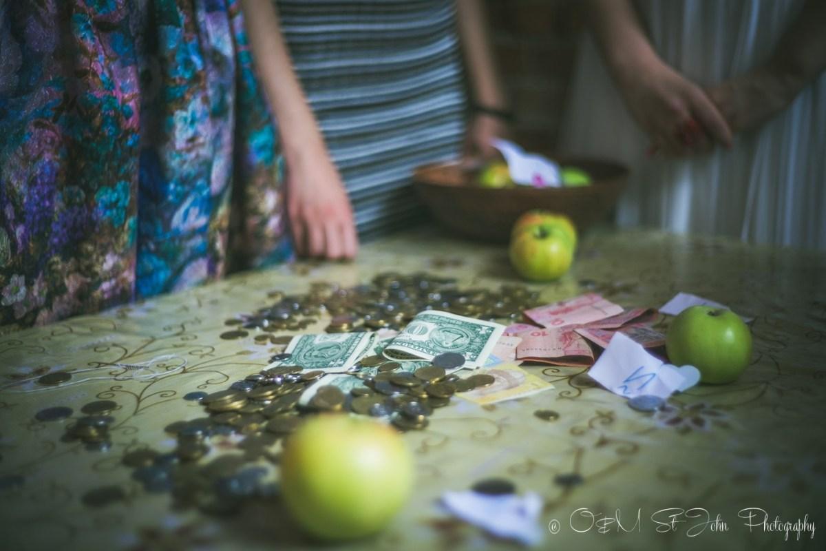 Paying the ransom, Ukraine Wedding tradition