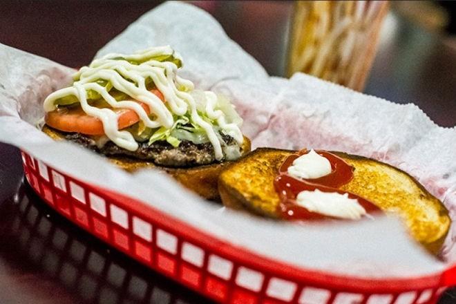 Beth's Burger Bar. Photo via Orlando Weekly