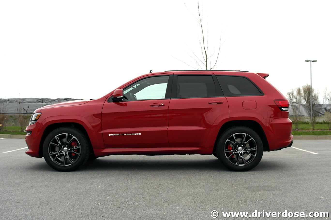 2016 jeep grand cherokee srt test drive review ratings specs driver dose autoblog. Black Bedroom Furniture Sets. Home Design Ideas