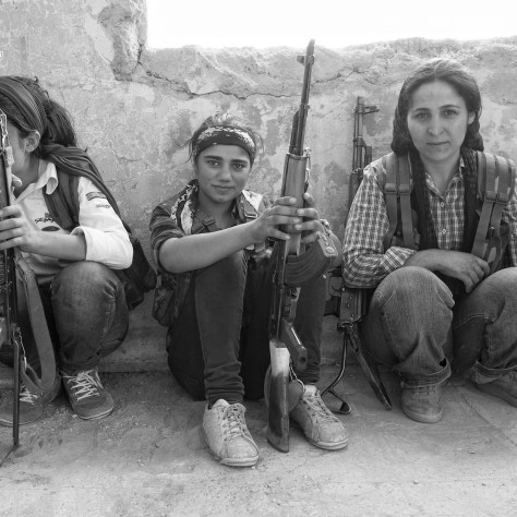 Combattantes kurdes des YPJ. Photo Cournoisie.