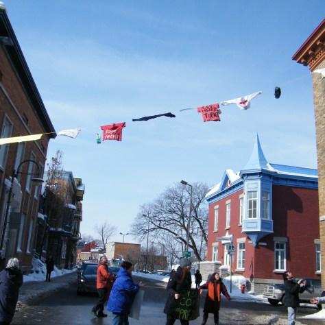 Action contre l'austérité sur la rue Saint-Vallier à Québec. Photo: Ronald Lachapelle