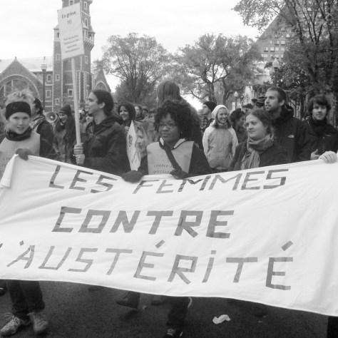 Manifestation d'appui à la suite du blocage du 30 septembre. Sà l'avant-plan, un groupe de femmes de Limoilou.