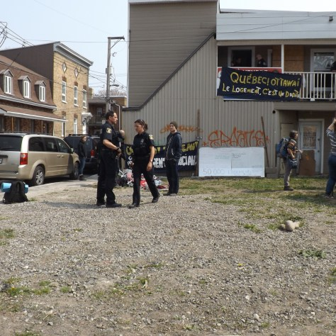 Pendant l'expulsion du squat. Photo: Cheryl Ann Dagenais