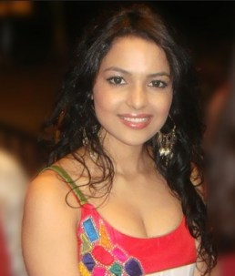 Chitrashi Rawat as Lady Inspector | Police Police Serial | Cast | Images | WAllpapers | Pics | Timing | Story