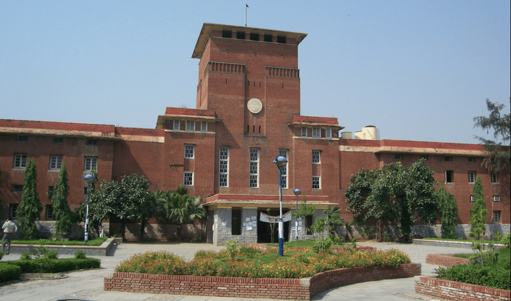 DU may consider an aptitude test for students from boards other than CBSE