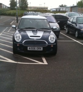 A Mini, AO 06 ORK, more in the hatch-markings than in the space