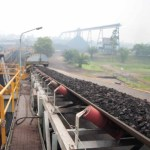 Aktivitas pengangkutan batubara PT Adaro Energy Tbk.  Kalimantan Tengah.