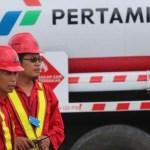 Aktivitas pelayanan bahan bakar minyak Pertamina.