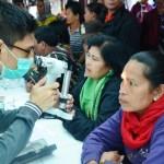 Pemeriksaan mata gratis yang digelar Tambang Emas Martabe untuk warga pengungsi Sinabung.