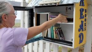 Tiny lending library brings joy to neighborhood