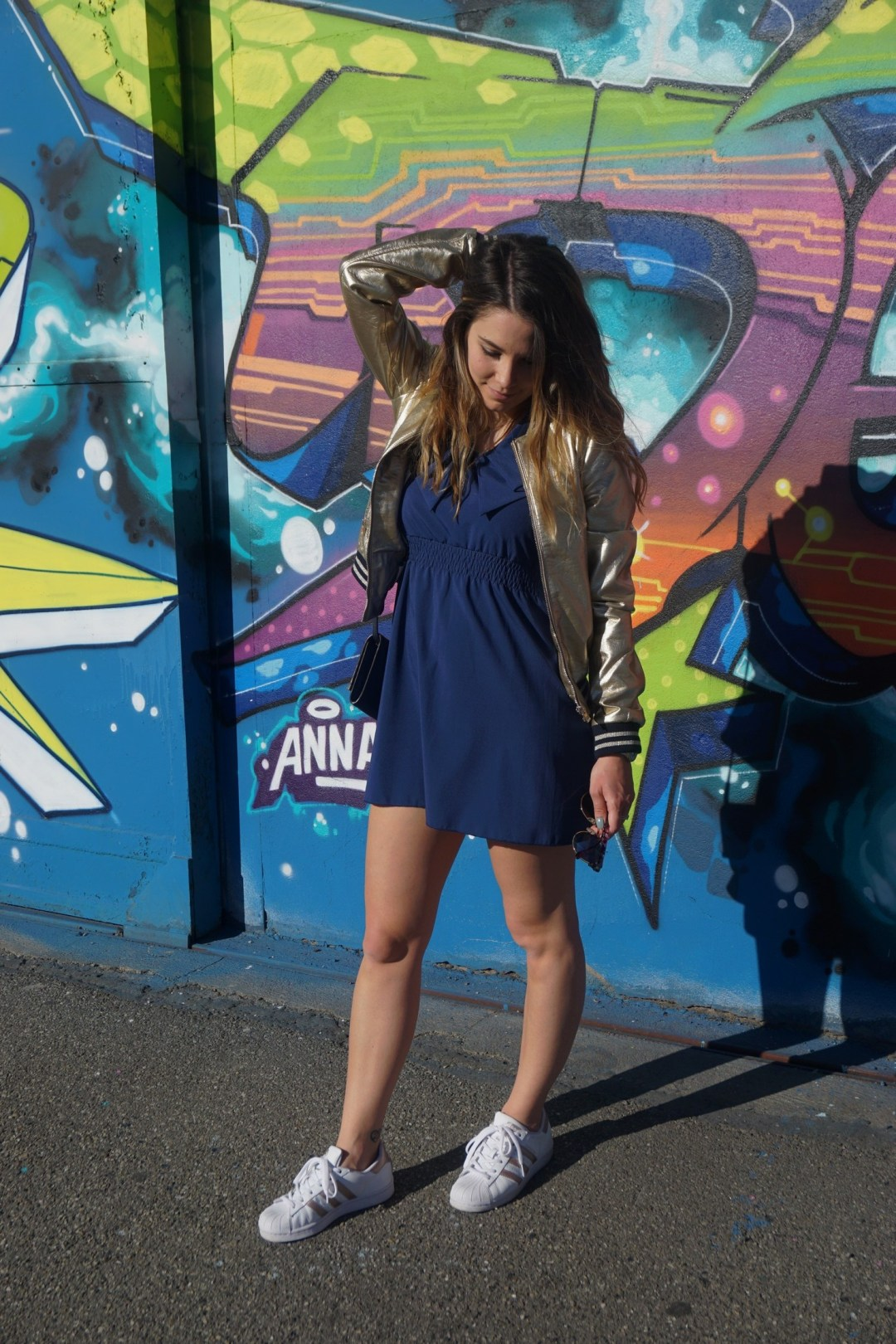 LOOK SPORTWEAR CHIC GOLD SHOOTING PHOTO BLOG MODE BLOGUEUSE BORDEAUX STREET ART BACALAN 01